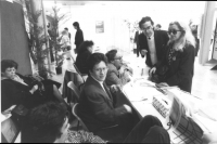 22° congresso del PSDI. Militanti radicali raccolgono iscrizioni al PR. (BN). Ritratto di Dora Pezzilli