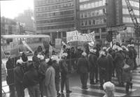 """""""Manifestazione radicale per gli stati Uniti d'Europa. Corteo per le strade di Bruxelles con striscione: """"""""pour les etats unis de Europe tout de sui…"""""""