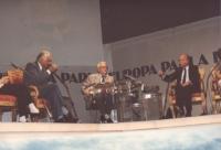 """""""faccia a faccia Pannella - Almirante (MSI) nella trasmissione televisiva """"""""Europa Parla"""""""" di Enzo Biagi"""""""