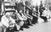 Stanzani, Bonino, Pannella, Faccio e altri in sit-in contro l'arresto di Jean Fabre per diserzione  (BN) buona