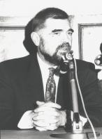 ritratto di Stipe Mesic (ultimo presidente della seconda Repubblica Jugoslava) durante una conferenza stampa a L'Aquila (BN) 1223bis: un altro ritratt