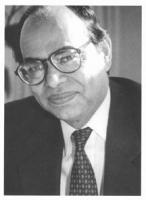 ritratto di Mahbub ul Haq, ex ministro delle finanze del Pakistan, Consigliere speciale dell'amministratore del programma dell'ONU per lo sviluppo. (B