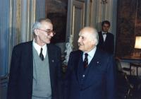 Il Presidente della Repubblica Scalfaro riceve al Quirinale il sindaco di Sarajevo Kresevljakovic. Bella foto dei due che si guardano negli occhi. Imp
