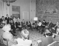 il Presidente della Repubblica Scalfaro riceve al Quirinale Emma Bonino ed una delegazione di firmatari dell'appello internazionale per i crimini nell