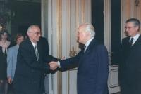 Il Presidente della Repubblica Scalfaro riceve al Quirinale il sindaco di Sarajevo Kresevljakovic (lo aveva ricevuto la prima volta il 3.3.93) ed Emma
