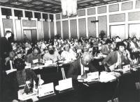 Assemblea dei deputati del PR di Sofia. Vista della platea. Si riconoscono Dupuis, Bandinelli, Romeo, Paci e Busdachin  (BN) (Accanto alle altre foto,