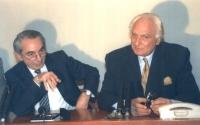 conferenza stampa di Pannella ed il Presidente del Consiglio Giuliano Amato (PSI). Stretta.