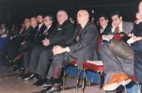 36° congresso I sessione. Platea: Scotti (DC), Napolitano (presidente della Camera, PDS), Spadolini (presidente del senato, PRI), Amato (presidente de