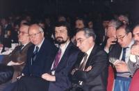 36° congresso I sessione. Primo piano stretto di Giuliano Amato (presidente del consiglio, PSI) e il primo ministro della Macedonia (repubblica di ex