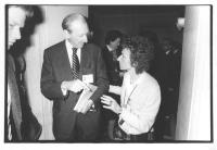 """""""Emma Bonino parla con Kurt Waldheim (poi presidente dell'Austria) durante il convegno """"""""5 milioni di vivi entro il 1984"""""""".   (BN)"""""""