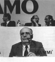 ritratto di Oscar Mammì, PRI. (BN)