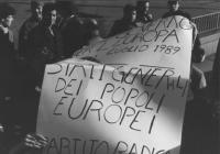 """""""cartello: """"""""un governo per l'Europa per il luglio 1989, Stati Generali dei popoli europei. PR"""""""" (BN)"""""""