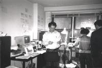 Taradash e Bonino nella sede del PR di New York prima di cedere siringhe sterili (fatto proibito negli USA)  (BN)