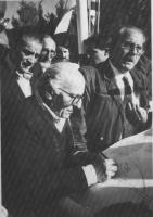 Stanzani, Zevi, Modugno (e, in secondo piano, Giorgio Inzani, Lucio Berté e Sergio Rovasio)  durante una manifestazione in Israele per l'interramento