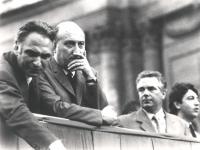 Piazza Navona. Su un palco di un comizio divorzista, da sinistra: Pannella, on. Spagnoli (PCI), Loris Fortuna, Massimo Teodori (BN)