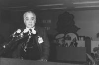 Ruggero Guarini (scrittore, giornalista) alla tribuna del 32° Congresso del PR (BN)