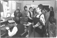 visita di una delegazione di una radio svedese nella sede di radio radicale (BN) si riconoscono Taradash e Jean Fabre