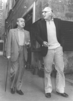 Pannella passeggia con Leonardo Sciascia (BN)