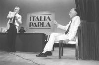 """""""""""""""Italia Parla"""""""" Tribuna Politica per le elezioni del 1983 che va in onda su una rete privata. Enzo Tortora conduce la trasmissione, Marco Pannella è"""