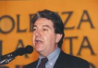 ritratto di Massimo Teodori, al 4° Congresso italiano del PR. Nelle altre gli altri suoi ritratti.