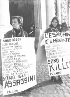 """""""manifestazione radicale davanti alla Corte Costituzionale di protesta perché la Consulta ha fatto fuori gran parte dei referendum su cui i radicali a"""