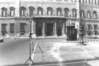Foto dell'esterno di Montecitorio.  (BN) Bruttina parecchio