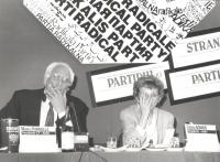 Emma Bonino al Consiglio federale del PR. 1788bis: Banner con logo e presidenza (BN)