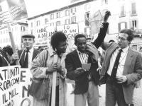 Pietrosanti alza il braccio di Ouattara durante la manifestazione in ricordo di Martin Luter King e contro la pena di morte.  (BN) ottima