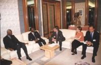 """""""Incontro Olivier Dupuis con Abou Diouf (presidente della Repubblica Senegalese), Elisabetta Zamparutti e Marino Busdachin. Conferenza """"""""No peace with"""