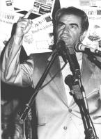 Comizio al Pantheon contro il golpe in URSS. Bruno Zevi mentre parla (BN)