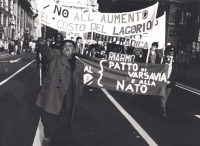 Corteo a corso Vittorio per la conversione delle spese militari in favore di interventi sulla fame nel mondo e per l'elevamento delle pensioni minime.