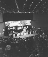 26° congresso PR. Vista complessiva del banner, della platea, presidenza e sala (BN) ottima