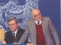 Sergio Stanzani e Paolo Vigevano, nel corso di un congresso del PR.