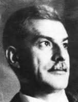 Elio Vittorini. Primo piano stretto. (BN)