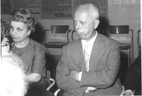 Garofalo e Piccardi seduti durante una assemblea. (BN)