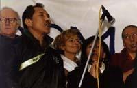 James Moorhouse (deputato UE conservatore UK), Bonino e Samdong Rinpoche sulla tribuna della 1° manifestazione europea per la libertà del Tibet.