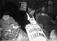 Stanzani, Bernardini e Bonino con coperte e sachi a pelo nella notte tra il 15 e il 16 alla dimostrazione davanti a Palazzo Chigi dalle ore 17.00 del