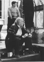Stanzani e Negri seduti dietro le quinte di un comizio  (BN)