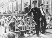 Marcia antimilitarista internazionale. Occupazione dell'ambasciata spagnola  (BN) ottima