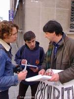 Hancisse intervistato. Manifestazione del Cora davanti al Ministero degli affari sociali e della sanità belga contro la proibizione del trattamento al