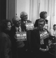 Il sindaco di Sarajevo Kresevljakovic, Pannella, Vigevano, Bonino, tutti con al collo il numero di telefono per le iscrizioni al PR, alla sede di Torr