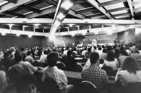 Pubblico della Convenzione Nazionale dei club Pannella per il partito democratico. Ottima visione totale della sala (BN)