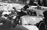 """Consegna delle firme dei """"20 referendum"""" alla Corte di Cassazione. Durante il tragitto dall'Hotel Ergife (dove le firme sono state pulite) alla Cassaz"""