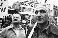 Piazza di Spagna piena zeppa di Cartelli. Marcia da p.za di Spagna a V.le Mazzini per le dimissioni del direttore generale della RAI Bernabei. Primo p