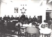 Seminario sulla nonviolenza (BN) (senza indicazioni di luogo, o nomi delle persone raffigurate)