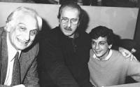 32° congresso PR I sessione. Pannella, Modugno e Giovanni Negri abbracciati (BN) buona