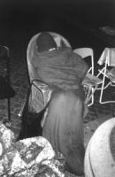 Emma Bonino in un sacco a pelo nella notte tra il 15 e il 16 alla dimostrazione davanti a Palazzo Chigi dalle ore 17.00 del 15.2.98 alle ore 4.00 del