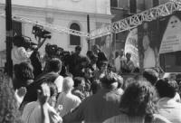disobbedienza civile in materia di droghe a piazza Navona. Olivier Dupuis (segretario PR) viene fatto scendere dal palco dalla polizia dopo aver lanci