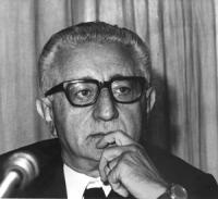 ritratto di Giovanni Leone (DC) Presidente della Republica italiana. (BN)