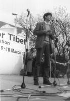 2° manifestazione europea per la libertà del Tibet. Olivier Dupuis, segretario PR, parla durante il comizio.